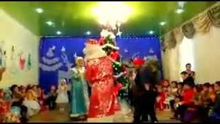 в Атырау дед мороз на саксофоне:-))