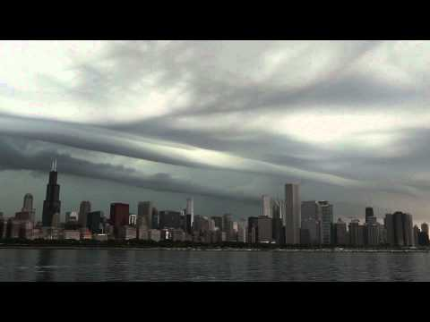 Storm Clouds Move in to Chicago