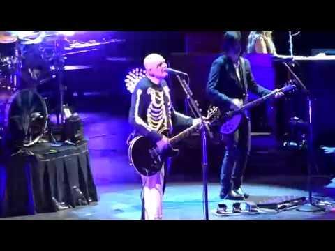 Smashing Pumpkins - Tonight Tonight - Live At Little Caesars Arena In Detroit, MI On 8-5-18