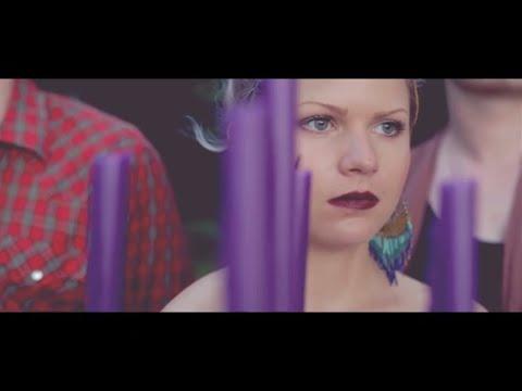 FEELS - WEIGHTLESS (music video)