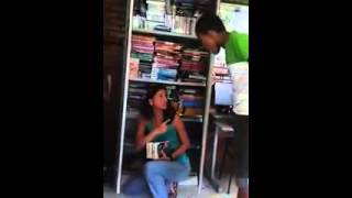 Aluno zomba de professora em Araçuaí - Parte 01