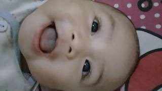 Video Bayi lucu lg ketawa dengerin bersin  mamanya umur 4bln download MP3, 3GP, MP4, WEBM, AVI, FLV Agustus 2018