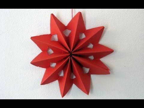 Guirnaldas y estrellas de papel doovi - Estrellas de papel para navidad ...