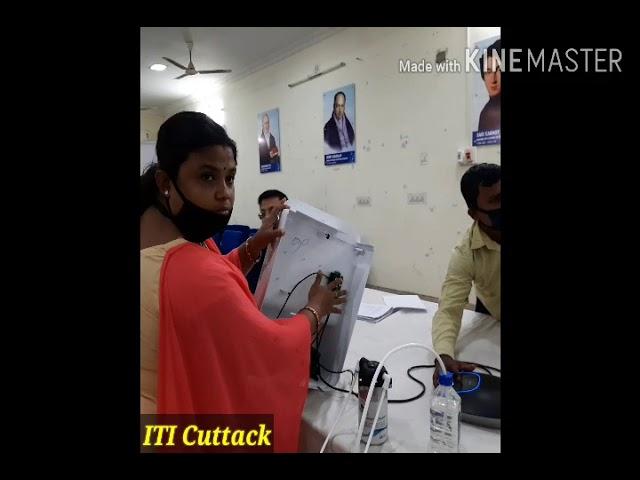 Demonstration of automatic sensor based sanitizer dispenser || ITI Cuttack