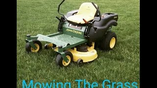 Mowing some grass on my John Deere Z225 42