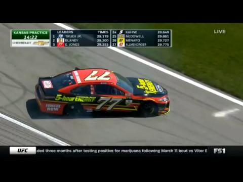Monster Energy NASCAR Cup Series 2017. FP1 Kansas Speedway. Erik Jones Spins
