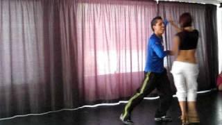 Видео: Taller Johnny Vazquez - Salsa parejas - Mallorca Salsa Festival 2009 (Versión CON música)