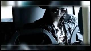 """FLER """"Zeichen"""" (Feat. Moe Mitchell) IM BUS GANZ HINTEN"""