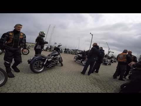 HELLS ANGELS MC   BANDIDOS MC IN A PARKING LOT You Can Not Believe Your Own Eyes