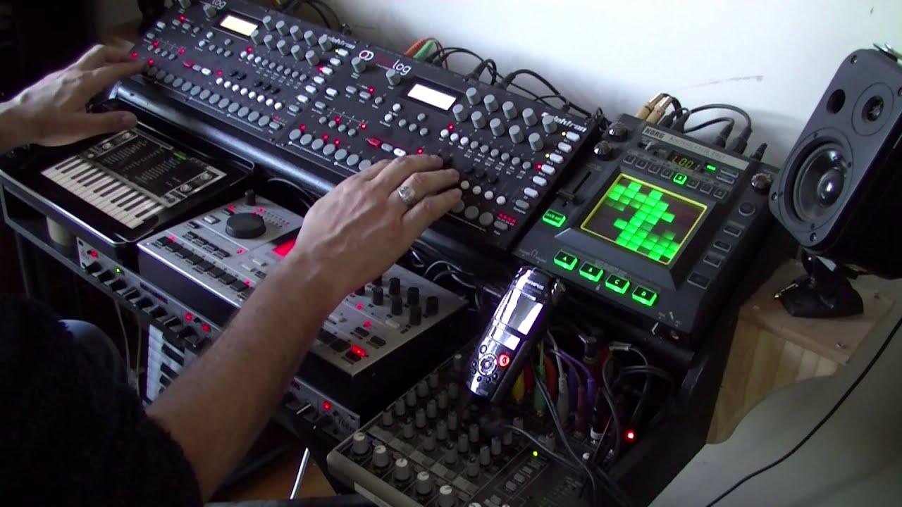 kaguya probe real time jam on 2 elektron analog four machinedrum kaoss ipad nave youtube. Black Bedroom Furniture Sets. Home Design Ideas