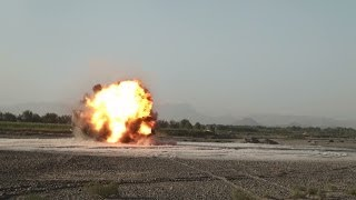 Battle tank Leopard 2 2A6M Afghanistan Canadian Forces in action PionierPanzer