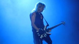 Def Leppard - Rick Savage bass solo - Belfast, Odyssey Arena - 7 June 2011
