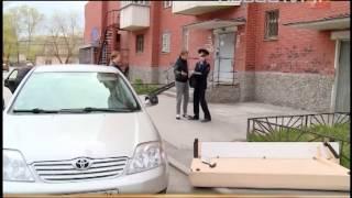 видео важно!!!! смотреть всем москвичам!!!! упала глыба льда на машину