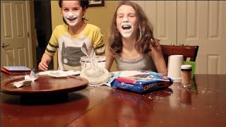 Minute To Win It Challenge with Simply Liv & Annie
