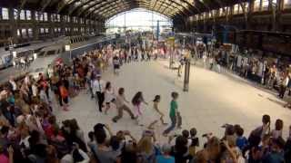 �������� ���� Flashmob We are One à la Gare Lille Flandres par Eric Koloko pour SNCF ������