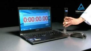 Toshiba - test odolnosti  notebooku na polití vodou