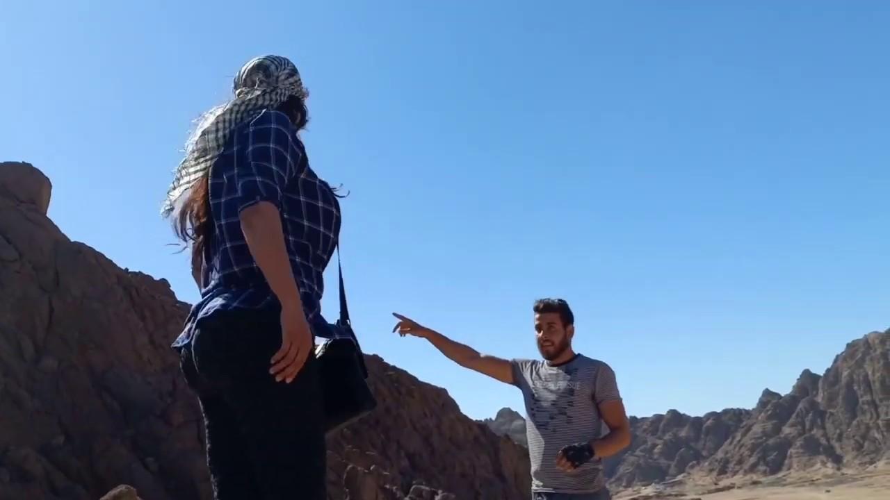 الست المصريه لما تعمل سوبر مان اعلي الجبل.