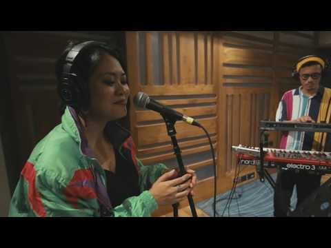 """For Love"" ft Kyriz Boogiemen & Yarra Rai (Live Session)"