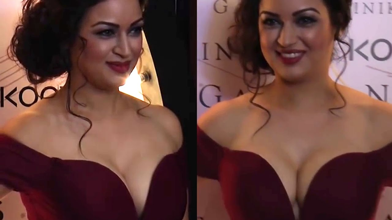 Hot and sexy videos of bollywood actress