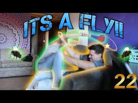 FLY SWATTER PRANK!! GOT HIM 42 TIMES!! - Duur: 5:24.