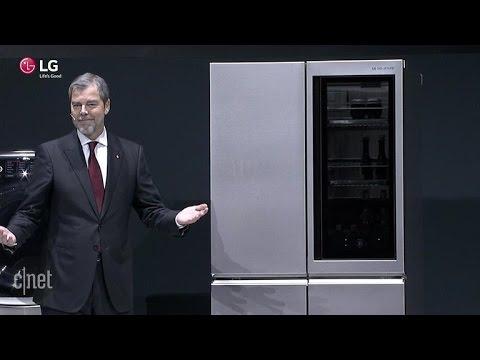 CNET News - LG's new smart fridge automatically opens door sans hands