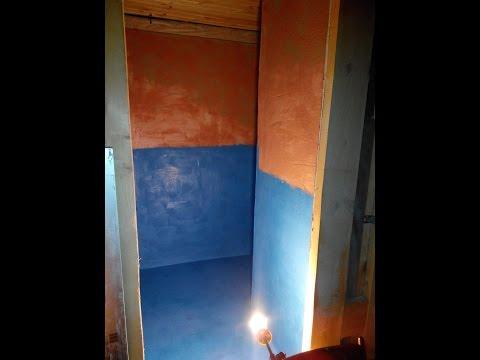 Ванная комната кантри в деревянном доме