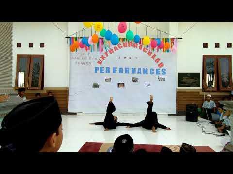 Extracurricullar performances from JHS Daarul Quran Sragen(1)
