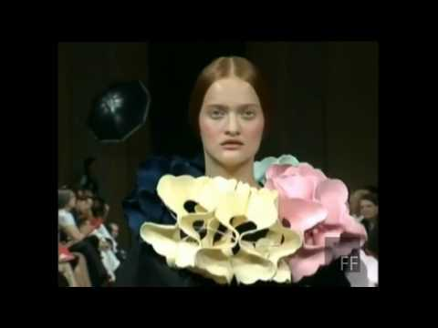 Viktor & Rolf   Haute Couture Fall Winter 1998 1999 Full Show