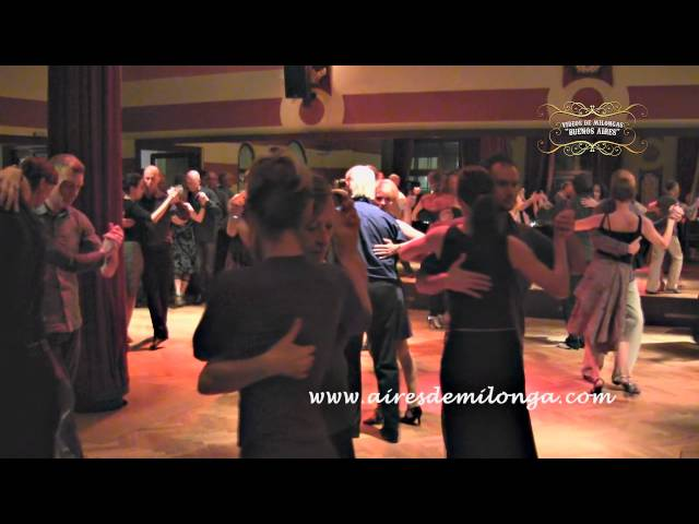 Berlin, Tango Dancers in Ballhaus Walzerlinksgestrickt milonga, tango in Germany