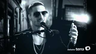 Maluma en exclusiva canta