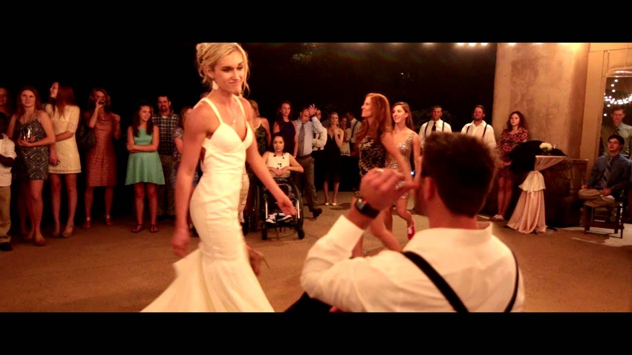 Bride Her Bridesmaids Perform The Best Beyonce Wedding Dance Routine In Texas
