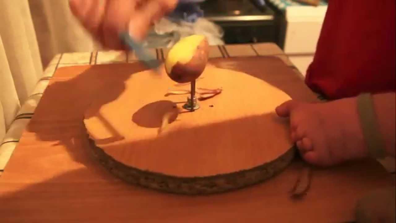 Как быстро почистить картошку одной рукой - YouTube