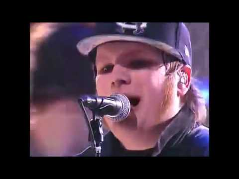 Fall Out Boy - 'The Take Over The Breaks Over' Live on Carson Daly 2007