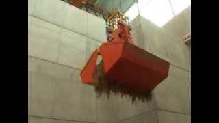 Кран мостовой автоматический г/п 3,6 тонн на предприятии Stadtwerke Dusseldorf(Кран мостовой автоматический г/п 3,6 тонн на предприятии Stadtwerke Dusseldorf с грейфером для транспортировки сыпучи..., 2013-11-01T14:39:53.000Z)