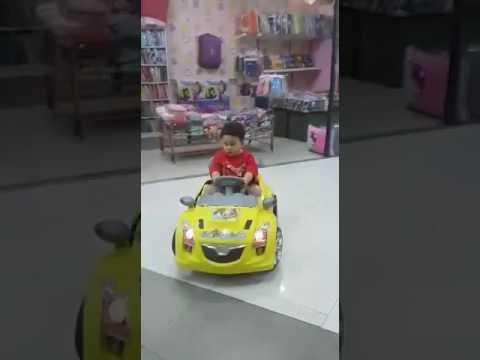 Main mobil mobilan remote control (Naufal ) dikallibata mall