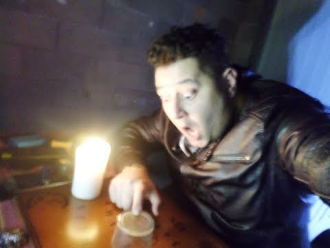 SÉANCE DE SPIRITISME / OUIJA - CONTACT AVEC UN ESPRIT (Chasseur de Fantômes) Paranormal Hanté