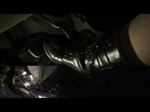 Japanese girls driving in black short boots Pedalpumping ブーツで運転 Shot with 2 cameras