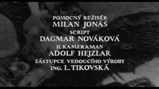 Kladivo na čarodějnice - Úvodní píseň/titulky