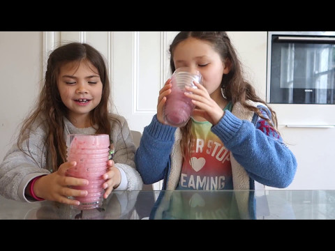 How To Make A Fruit Smoothie - Healthy Drink For Kids!