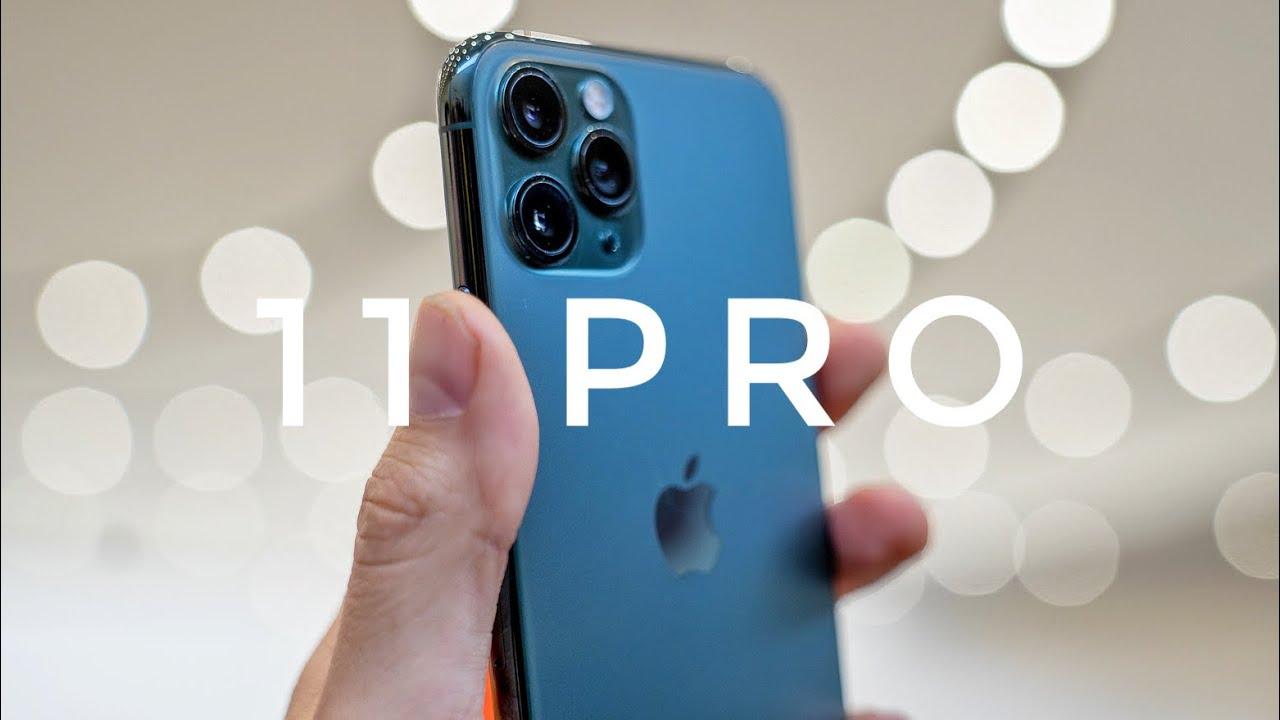 Cameos - blue iPhone 11 case