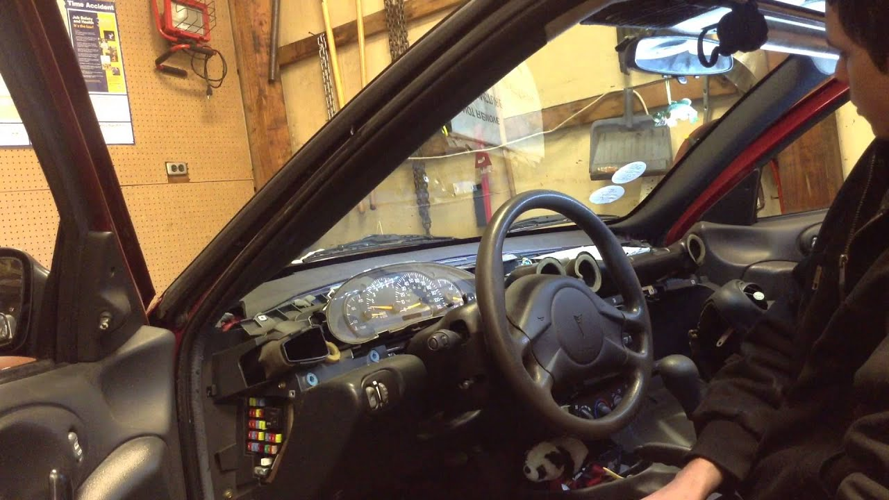 maxresdefault 2005 pontiac sunfire instrument panel gauge cluster youtube 2007 Pontiac Sunfire at panicattacktreatment.co