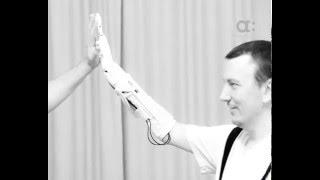 На 3D-принтере можно печать протезы(Протезы напечатанные на 3D-принтере в несколько раз дешевле традиционных. Мужчина, который сам несколько..., 2016-04-30T02:43:40.000Z)