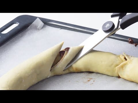 Roll 2 Dough Strands Into A Circle & Cut Them. Wow!