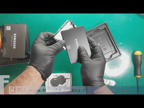 Lenovo IdeaPad 320-15AST sostituzione hard disk - Disassembly and Hard drive replacement - SSD