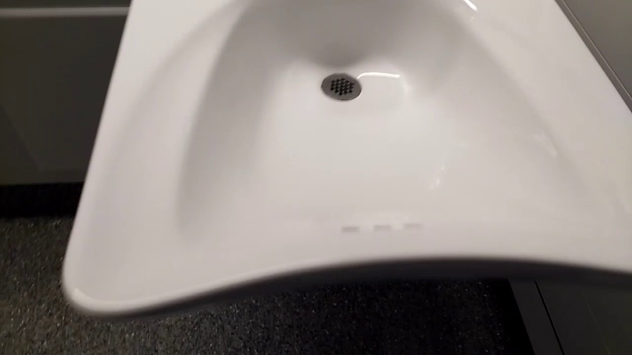 CANADA TOILET = «AQUANAR Sensor Flushometer and Wallhung TOTO Bowl ...