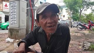 Gặp người nghèo là giúp thôi nghĩ ngợi gì nữa!