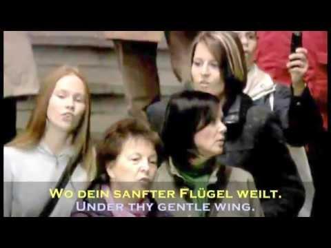 "Singing Flashmob, Leipzig Hbf., ""Ode an die Freude"" mit Paul Potts (inkl. Lyrics D/E)"