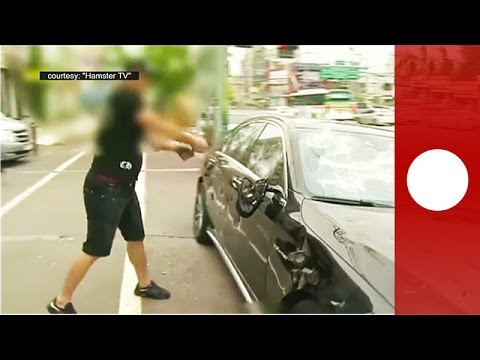 Owner of a Mercedes-Benz S63 AMG smashes his car, South Korea