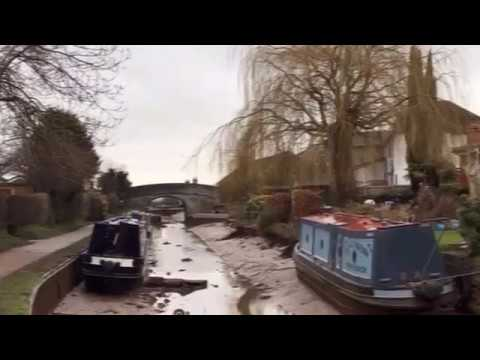 100ft wide sinkhole drains canal in Cheshire, UK
