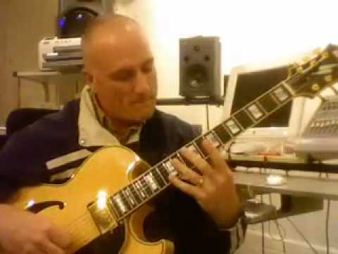 Rob Michael, Solo Guitar: White Christmas